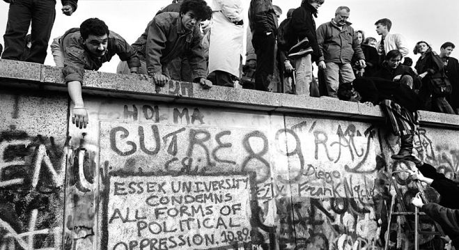 Foto: Mark Power - The Fall of the Berlin Wall 1989