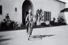 Staljin i Ajnštajn - Nešto više od relativnosti?